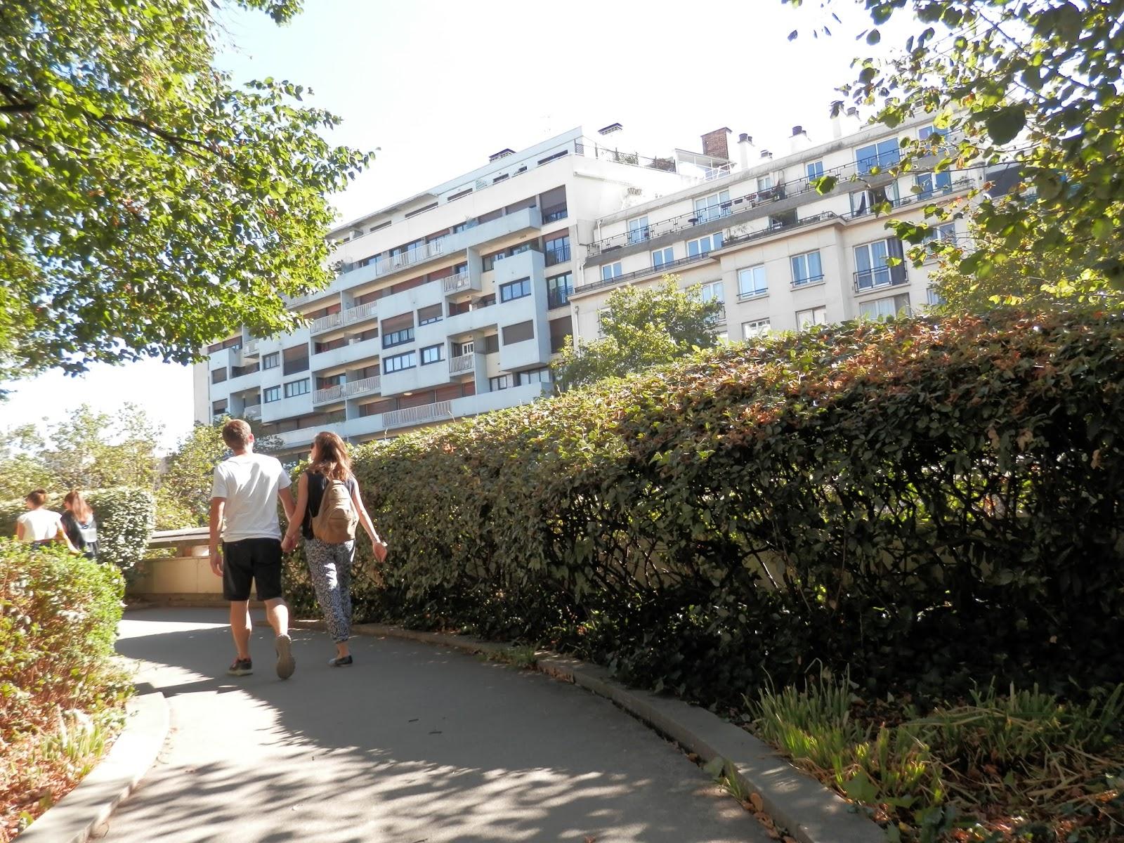 Promenade Le Long De La Coul E Verte Paris Le Petit