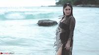 Kareena Kapoor   bollywood Queen   Sizzles  in bikini ~  Exclusive Galleries 013.jpeg