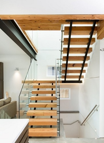 10 hermosas escaleras de madera colores en casa for Diseno de escaleras interiores