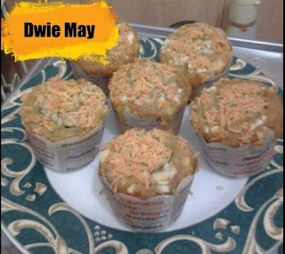 Banana Muffin With Cheese & Almond