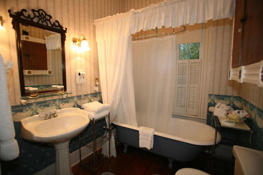 Boy S Bathroom Decorating Pictures Ideas Tips From: Decorating Diva Tips: Top 10 Bathroom Themes And The Right