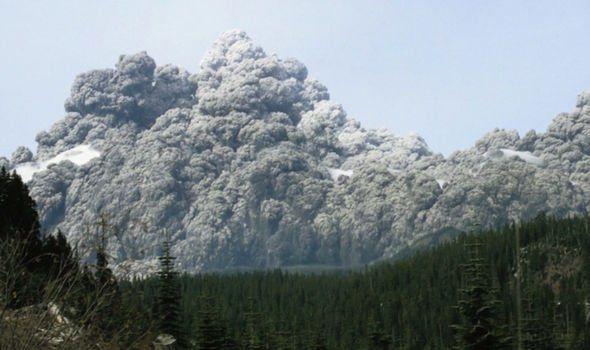 La cúpula de lava del Monte St Helens se está elevando a 5 metros por día, preparando la próxima erupción.