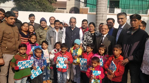 केंद्रीय मंत्री कृष्णपाल गुर्जर  ने दिव्यांगों के साथ मनाया नया साल