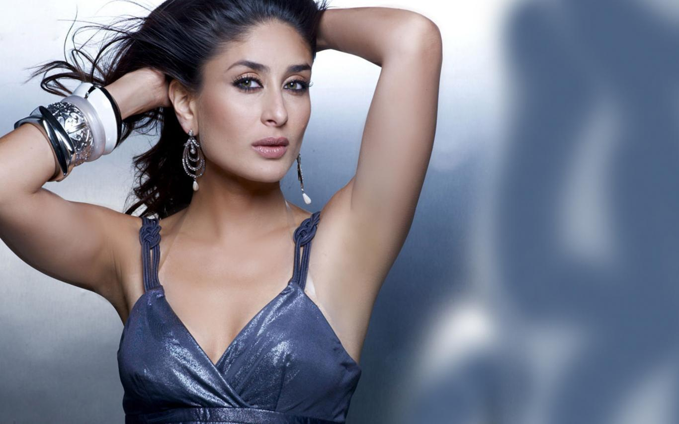 bollywod actress kareena kapoor hot hd wallpaper she is one of the