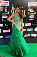 Manjusha in Beautiful Sleeveless Green Anarkali dress at IIFA Utsavam Awards 09.JPG