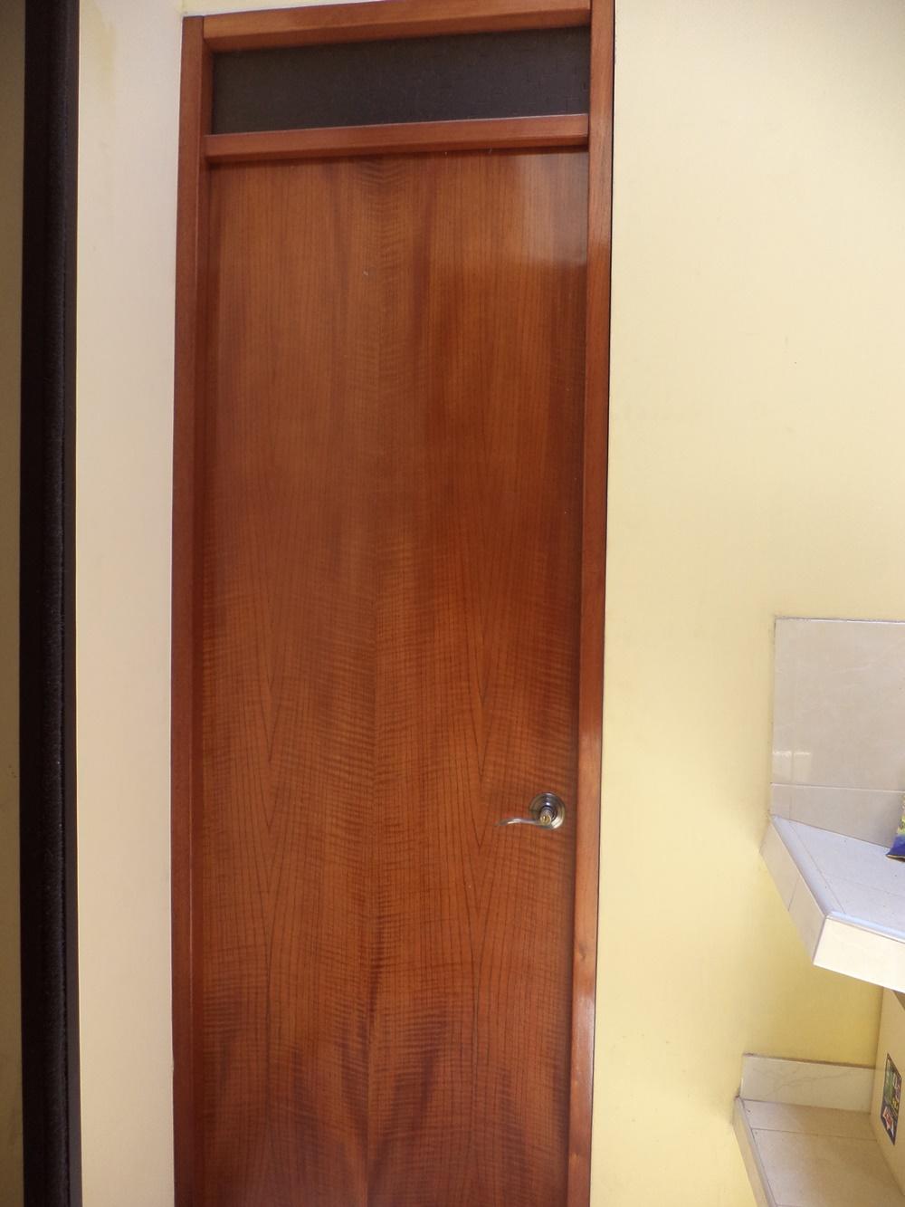 Puertas de madera en los olivos carpintero en lima for Puertas para recamara