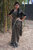 Tamil Actress Sri Priyanka Pos in Saree at Pichuva Kaththi Tamil Movie Audio Launch  0005.JPG