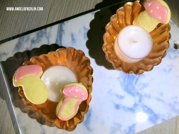 Sahne Kekse mit Rosenguss und IB Laursen Kerzenhalter