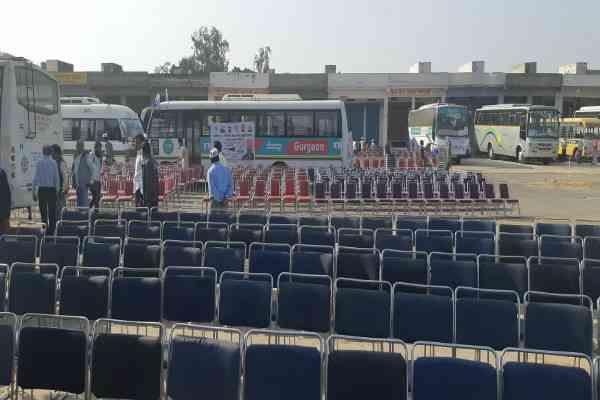 arvind-kejriwal-school-asptal-rally