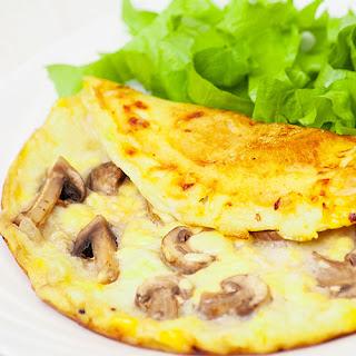 Mushroom Omelet (Mantarli Omlet)