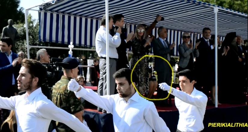 Κατερίνη: Όλοι όρθιοι στο «Μακεδονία Ξακουστή» εκτός από βουλευτή του ΣΥΡΙΖΑ! (βίντεο)