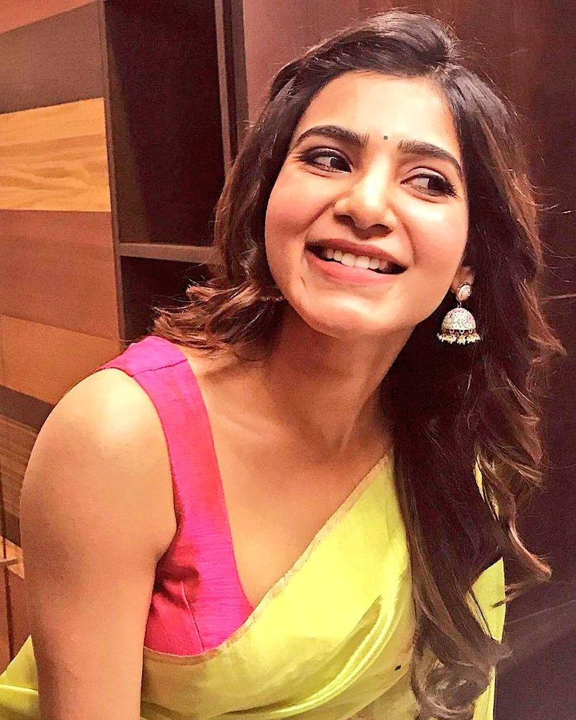 Actress SamanthaAkkineni Latest HD Images In Saree