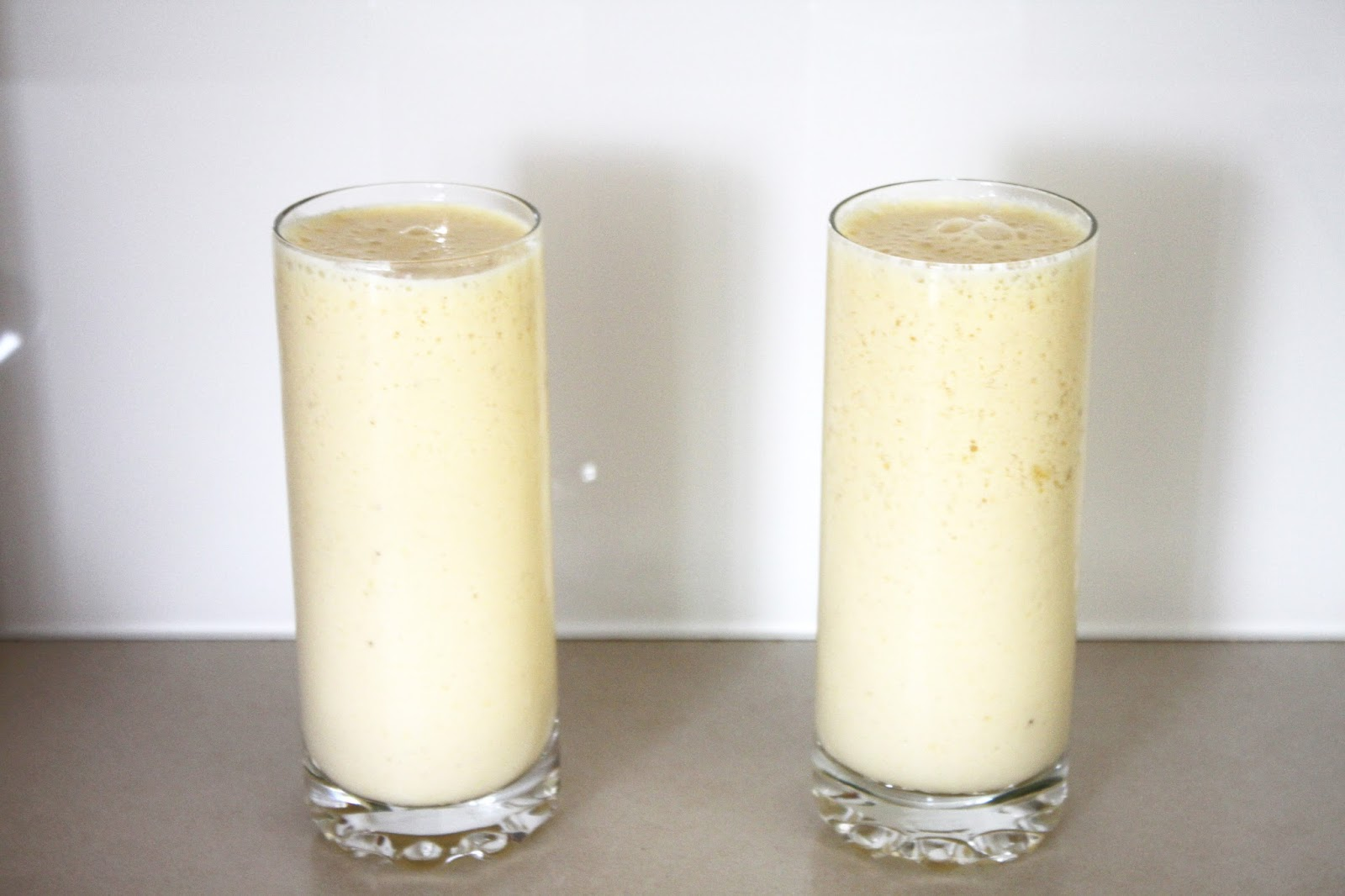 Banana Mango Smoothies