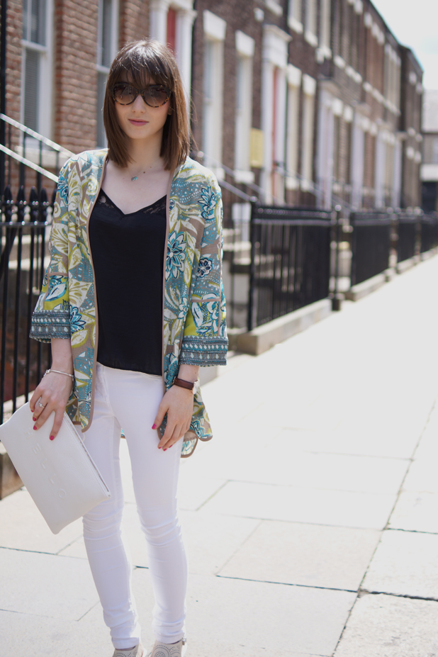 Hello Freckles Style Outfit Kimono M&S White Jeans