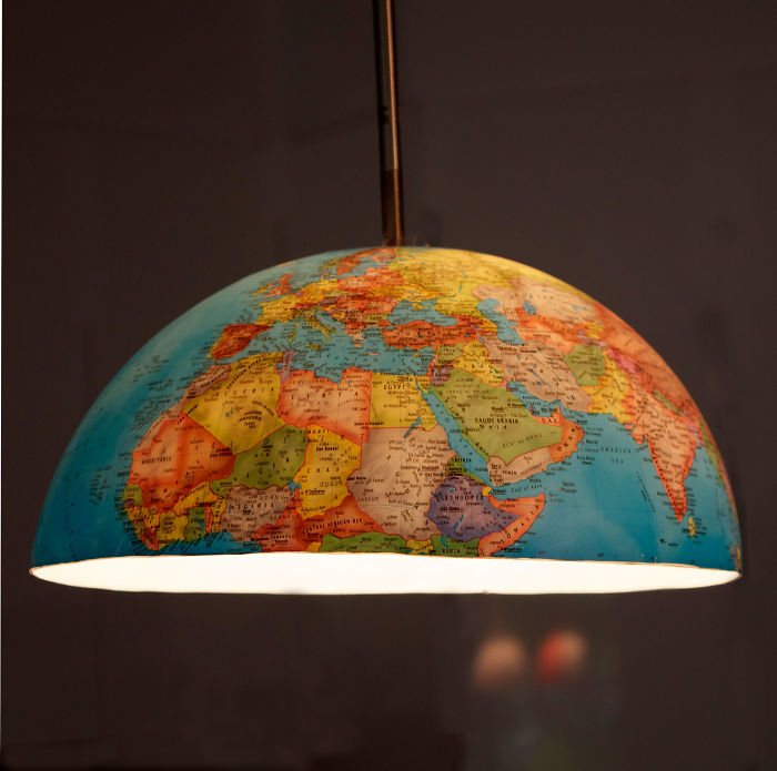 15+ Of The Best Traveler Gift Ideas Besides Actual Plane Tickets - Globe Lamp