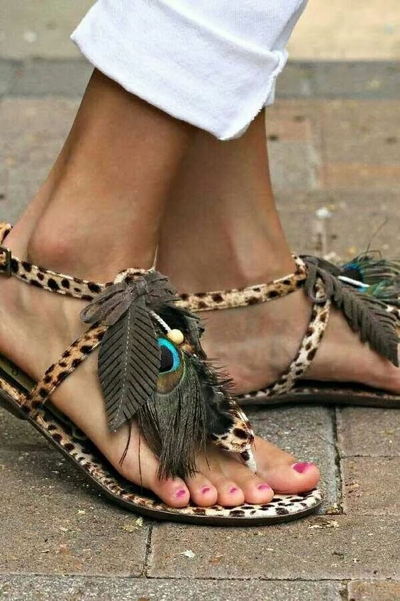 2ea8fe08479 35 Different Types Of Sandals For Ladies with Pictures   Bling Sparkle