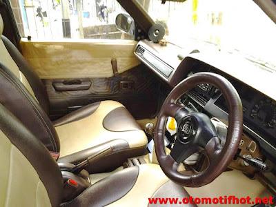 Model Interior Mobil Corolla DX