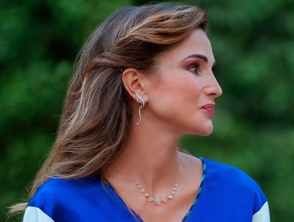 Queen Rania outfit Dar Noora Embroidered Traditional Dress