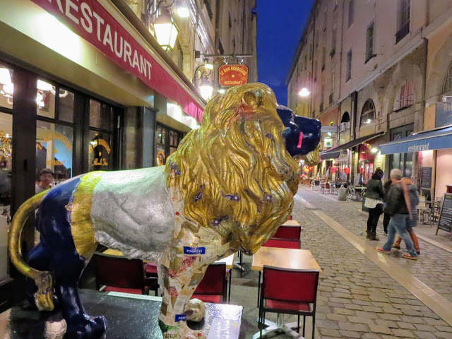 Where to eat in Lyon France: Rue des Marronniers