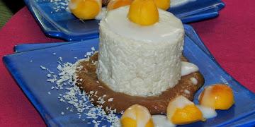 Orientalny deser ryżowo - kokosowy z mango