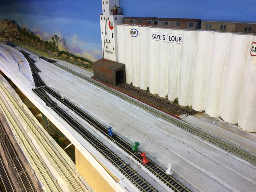 BNSF - N SCALE in Australia -Bolts,Nuts,and Some Fun