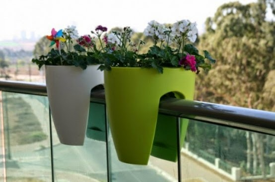 cool-accessories-for-your-balcony-1-554x368