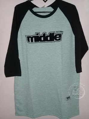 Foto B : T-Shirt Middle