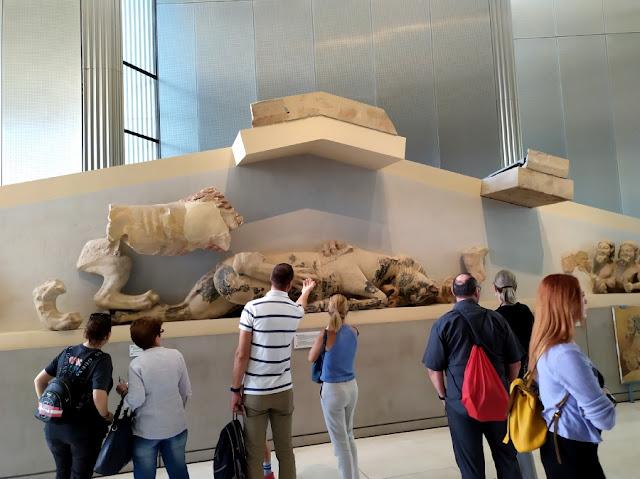 hacer una visita al museo de la acropolis