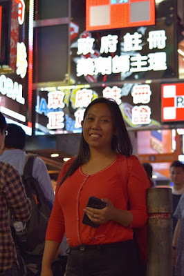 Girl Travel in Mong Kok