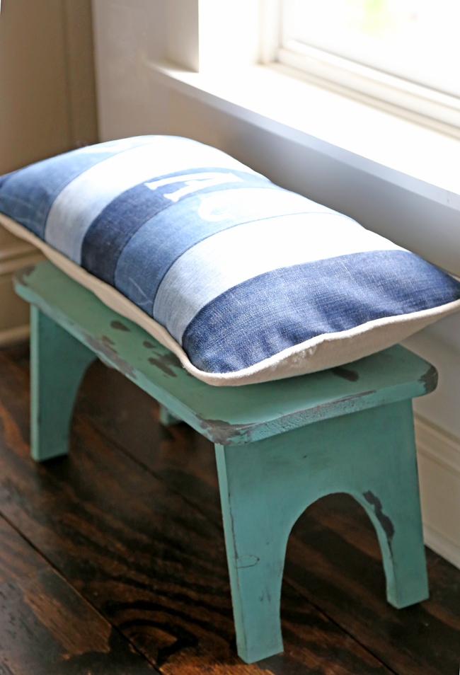 step stool with beach pillow from old jeans -
