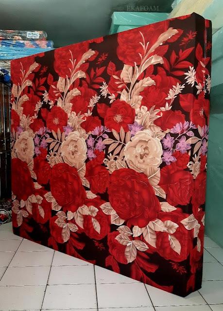 Kasur inoac motif bunga rosiana merah maroon
