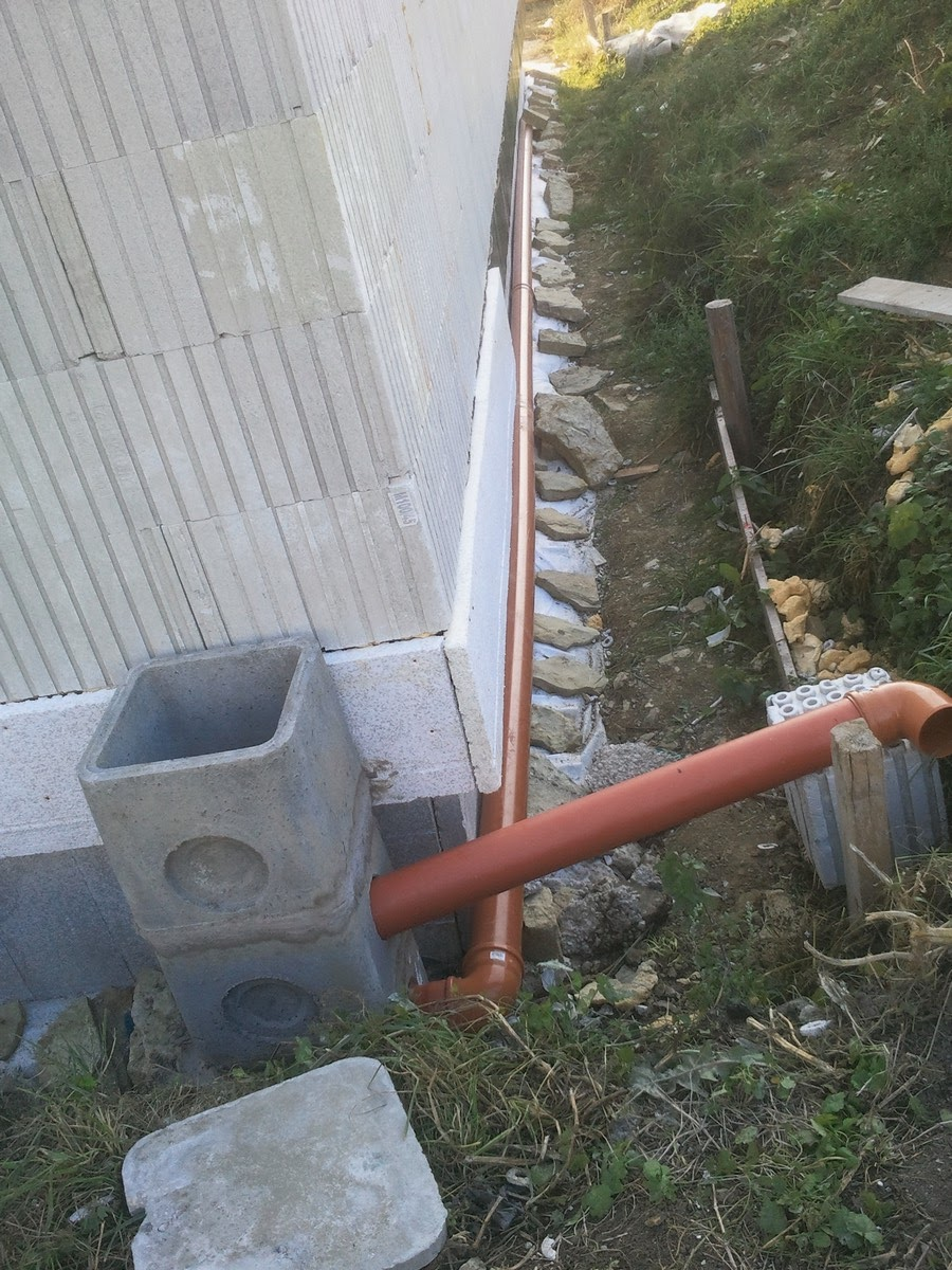 construction euromac2 2012 39 evacuation eau de pluie. Black Bedroom Furniture Sets. Home Design Ideas
