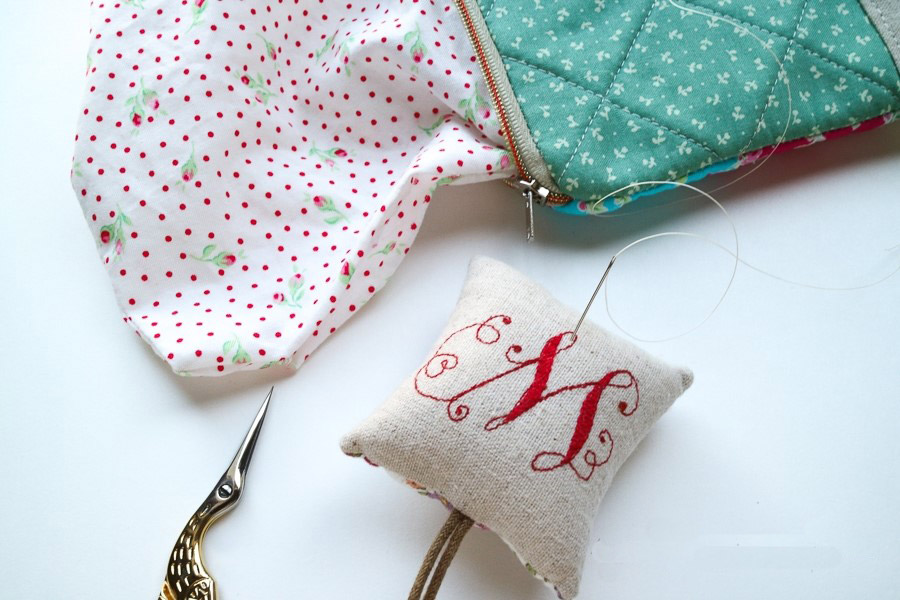Mini Zipper Pouch Keyring. DIY Keychain Wallet: Sewing Tutorial in Pictures.