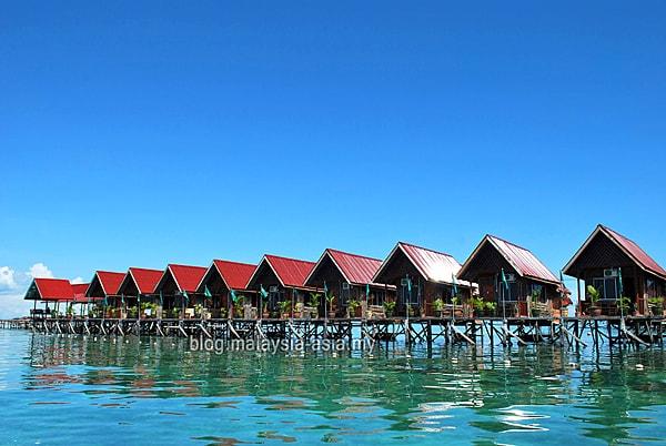 Scuba Diving Lodge Mabul Island