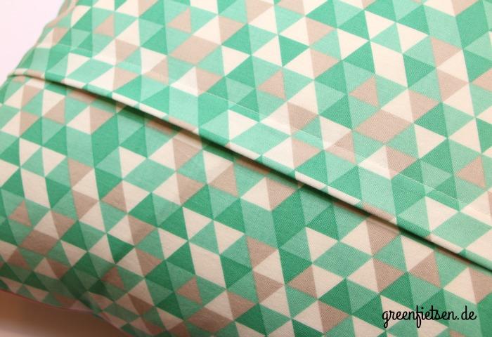 greenfietsen weihnachtliches triangle kissen mit nussknacker und zahnpasta paspel. Black Bedroom Furniture Sets. Home Design Ideas