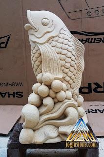 patung ikan air mancur dari batu alam paras jogja / batu putih