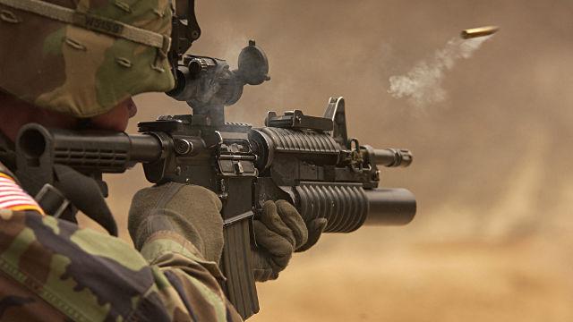 Soldat US Army Tir Colt M4 - Fond d'écran en Full HD