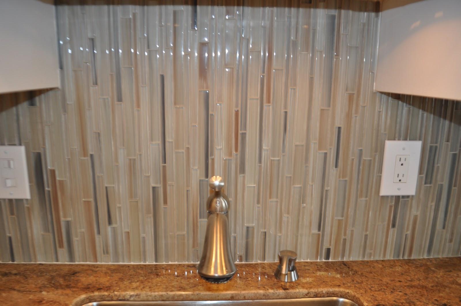north kihei glass tile backsplash - Vertical Tile Backsplash