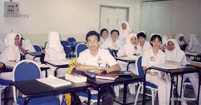 pelajar jururawat 1998 - oleh Rizman Suzaidi / Jururawat.net (boleh salin percuma dengan menyertakan teks Rizman.net dan/atau Jururawat.net)