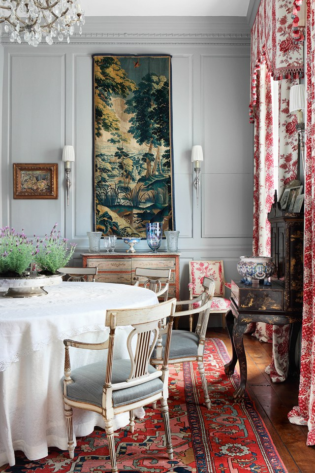 Pompadour toile de Jouy from Christopher Moore was used for curtains and a chair