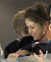 Justin Bieber & Selena Gomez Can't Get Enough Of Each Other In Public! 1
