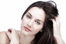 مكونات طبيعية للتخلص من قشرة الشعر