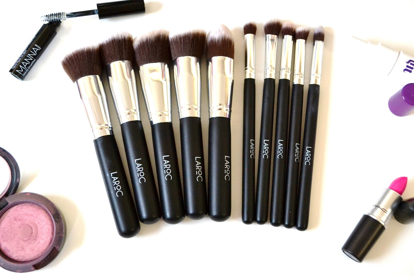 LaRoc 10 Piece Kabuki Makeup Brush Set