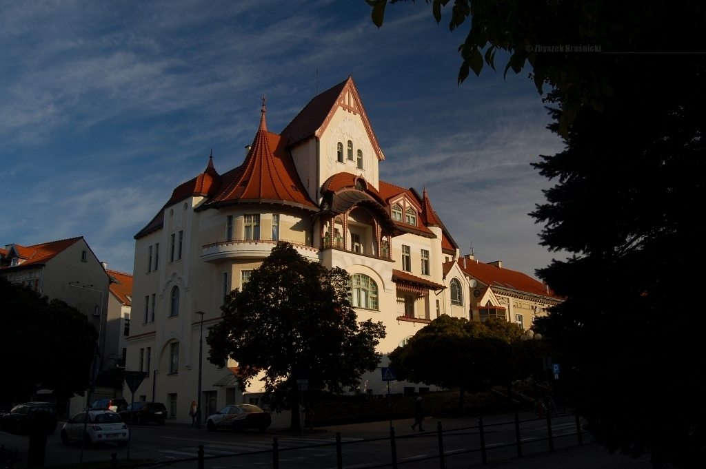 Olsztyńska sztuka miejska, kamienice i komora Shone'a