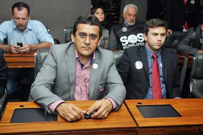 Resultado de imagem para fotos do prefeito naldinho em brasilia