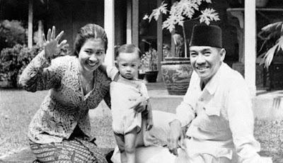 Soekarno Dan istrinya