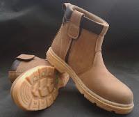 beli sepatu safety harga pabrik, jual sepatu safety cewek dijakarta, sepatu safety termurah di balikpapan, jual sepatu safety disurabaya, pusat sepatu safety termurah