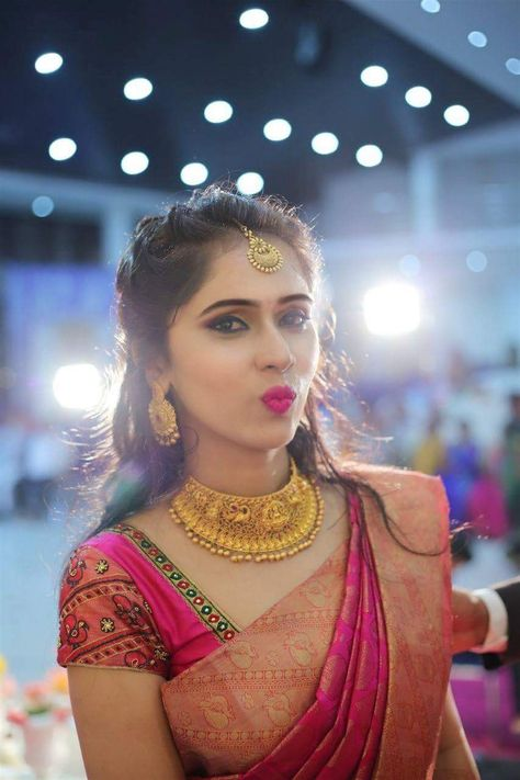 Traditional yet Trendy Wedding Jewelry