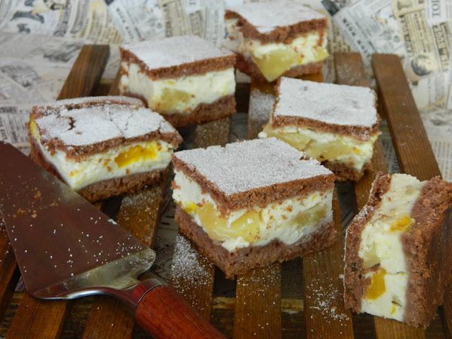 Prajitura cu crema de branza, mango si ananas