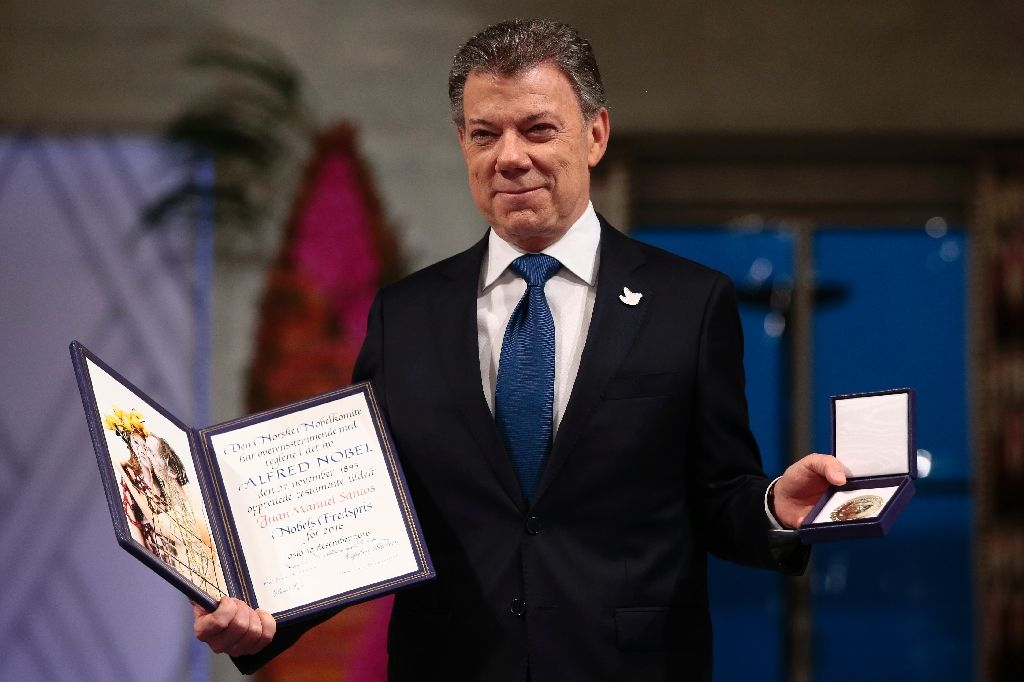 Colombia's President Santos receives Nobel Peace Prize